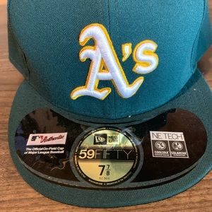 NEW ERA Oakland A's fitted Cap NWT Size 7 7/8